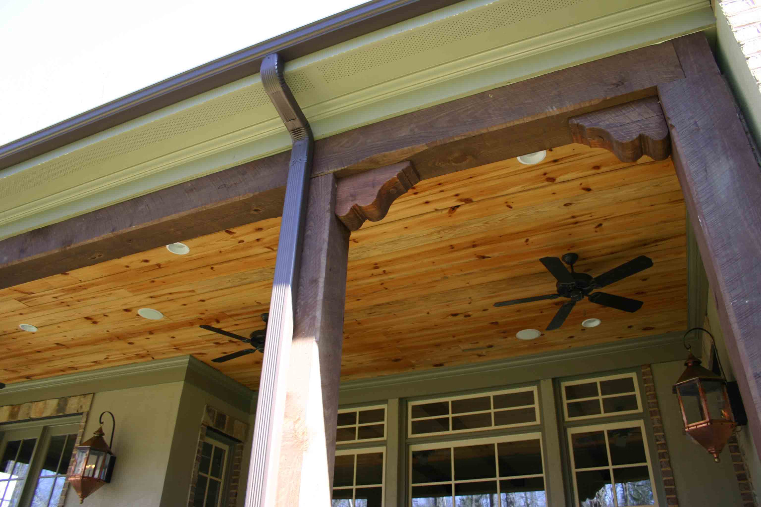 The wood corbels in this feature show the many uses of corbels.